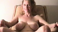 MILF with a massive pair of kockers does a hardcore solo show