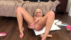 Yummy Britney Amber eats his meat and he gets a treat with her twat