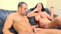 Stacked brunette slut Loni Evans feeds her hungry peach a hard stick