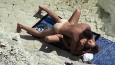 Amateur Beach Voyeur 2 Hot Babes