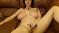 Hot minjhi flashing boobs on live webcam