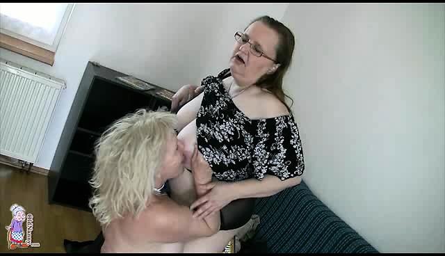 Free granny lesbian porn movies