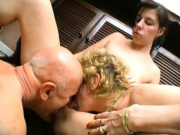 December 2009 Lesbian Orgy