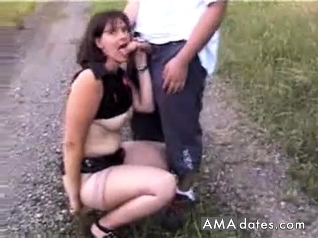 Elle Se Masturbe Dans Voiture