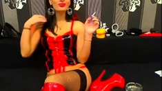 Sexy Milf In Latex Smoking On Cam